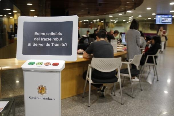 Descarrega va presentar ahir els terminals Happy or not per mesurar el grau de satisfacció de la ciutadania amb l'Administració.
