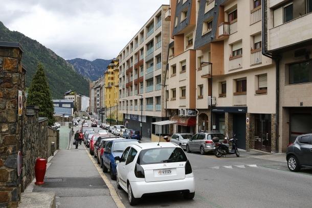 El domicili on va disparar la pistola és al mateix carrer que el Lycée Comte de Foix.