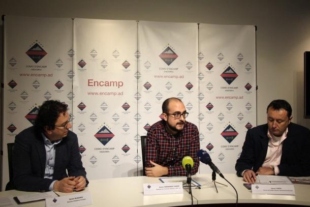 Betim Budzaku, Xavi Fernández i Ignasi Vinós van intervenir ahir en la presentació del Saló al comú d'Encamp.