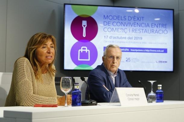 La cònsol major d'Andorra la Vella, Conxita Marsol i el president de la CCIS, Miquel Armengol, ahir.