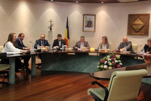 L'oposició exigeix els documents sobre l'alberg de la Baronia