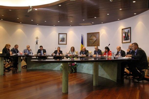 Un moment de la sessió de consell de comú d'ahir a Encamp.