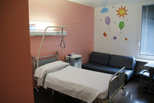 Habitacions de maternoinfantil són utilitzades per a pacients de traumatologia.