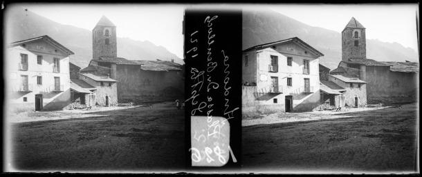 1921: la rectoria, reformada el 1899 com diu la inscripció del frontó, amb la carnisseria, el quart i la presó adossades.