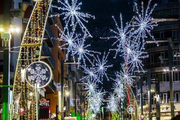 L'oposició també critica la manca d'enllumenat nadalenc en algunes zones