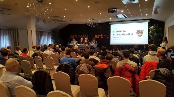 Un moment de l'assemblea extraordinària de l'FC Andorra d'aquest dissabte passat.