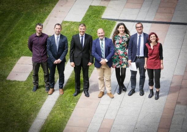 Els representants andorrans i el de Huelva que es van reunir ahir.