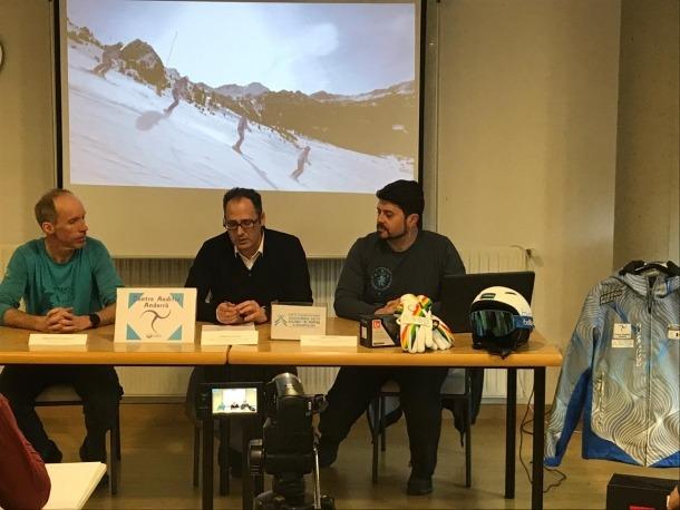 Poujarniscle, Torredà i Iriarte en la presentació, ahir.
