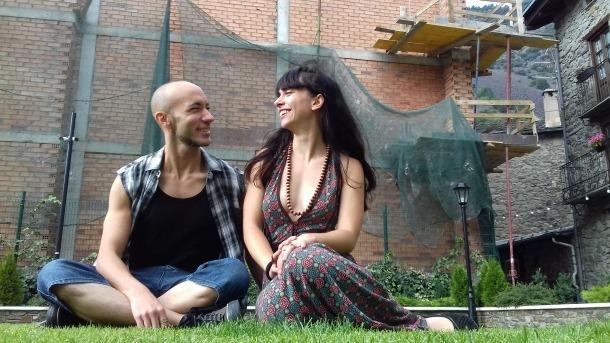 Alfons Casal i Claudia Riera, director i protagonista de 'The Bride' i 'Desperta', ahir als jardins de Casa de la Vall.