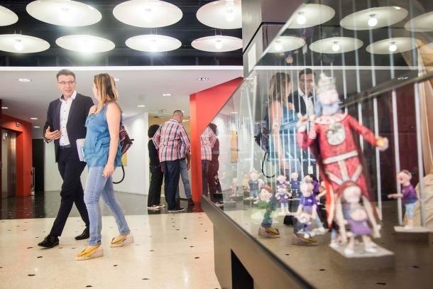 Les escoles artístiques de la capital proposen 29 monogràfics