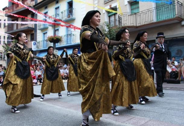 Els lauredians es bolquen en la part més tradicional de la festa