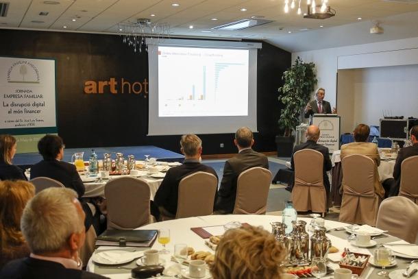 La jornada-esmorzar organitzada per l'EFA va comptar amb empresaris de diferents sectors i el ministre de Finances, Jordi Cinca.