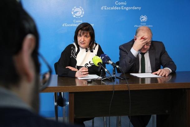 Marín i Mandicó en la roda de premsa que va tenir lloc en finalitzar la reunió de cònsols d'ahir.