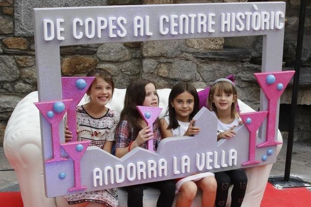 Una nova edició del 'De copes' omple de gent el centre històric
