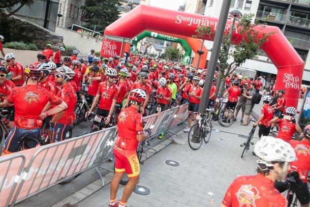 Els participants a punt de prendre la sortida en la quarta edició de La Purito.