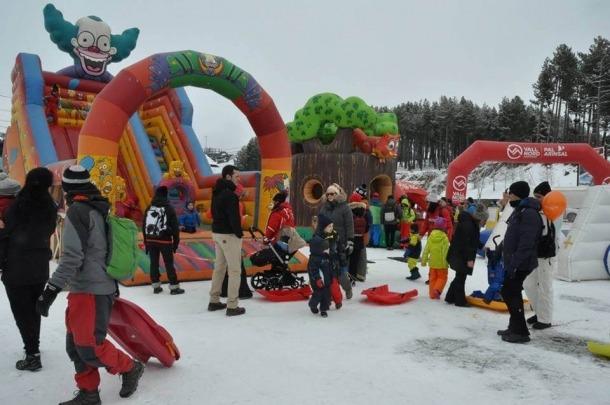 La Festa de la neu reuneix centenars de seguidors a Pal