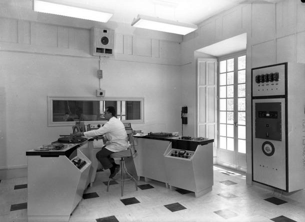 Agustí Pifarré als controls, a finals anys 50.