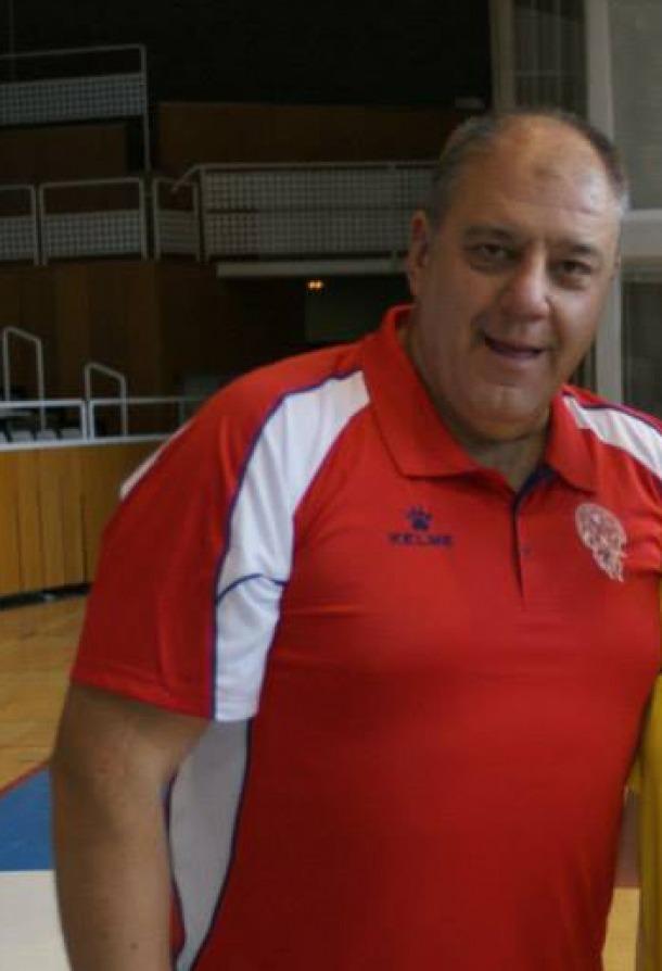Carles Riba reuneix els avals i presenta candidatura