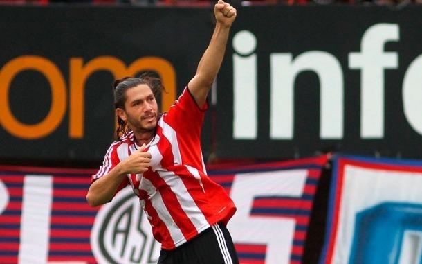 Un campió de la Copa Libertadores, al Tic Tapa