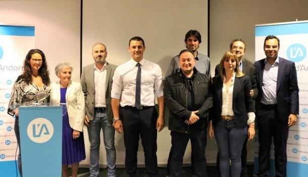La nova executiva de Liberals d'Andorra aprovada pel congrés.