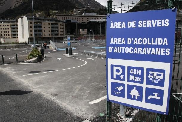 Escaldes obre definitivament l'aparcament dels Veedors amb 14 places amb serveis per autocaravanes