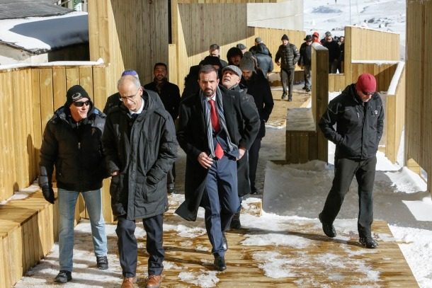 Jordi Torres inaugura el primer tram de la passarel·la sobre el riu Arieja