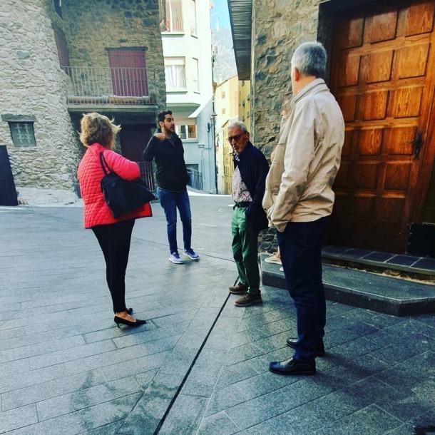 Dolors Carmona i Lídia Samarra van visitar el Puial amb altres membres del partit.
