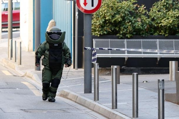 Els vestits de protecció que porten els agents del Tedax s'han renovat.