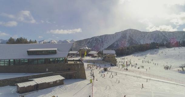 Les pistes d'esquí de l'estació.