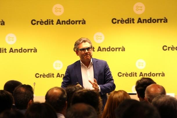 El divulgador econòmic Marc Vidal, durant la xerrada d'ahir a Crèdit Centre.