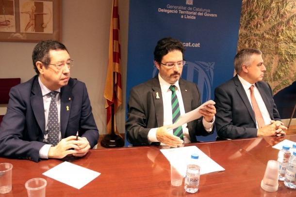 El secretari d'Infraestructures, Isidre Gavín, amb Ramon Farré, delegat del Govern.