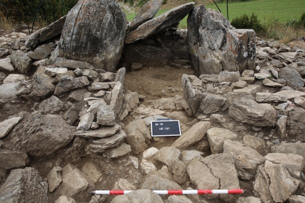 Andorra, Valls de Valira, Bescaran, arqueologia, jaciment, excabació, Rosalia, Pantebre, Remolis, Regirarocs, dolmen, dolmen de la Llosa