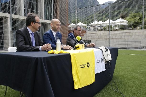 Jordi Vilanova i Josep Segura, durant la presentació dels Esports d'Estiu, ahir al matí.