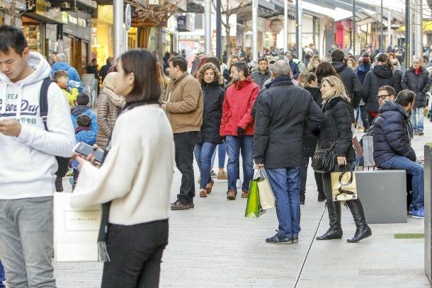 El març passat van venir al país 725.589 visitants.