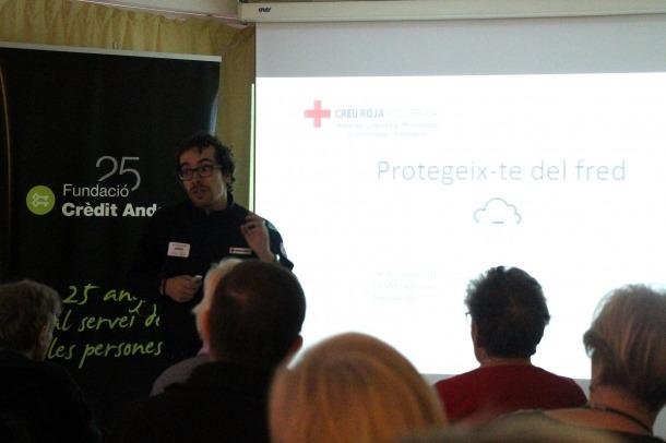 Un moment de la xerrada 'Protegeix-te del fred. Consells i precaucions en cas d'onada de fred', a L'espai de la Fundació Crèdit Andorrà.
