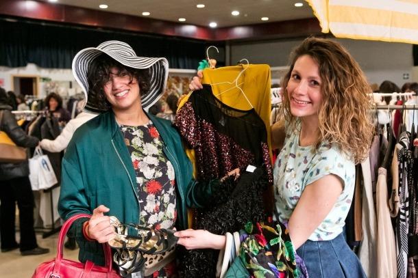 El Vide Dressing ofereix un espai de venda de productes de moda de segona mà per potenciar la reutilització dels productes.