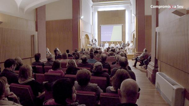 La reunió a la Sala Immaculada de Compromís x la Seu.