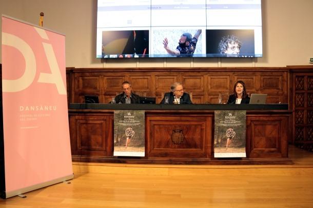 Rut Martínez, amb el president del Consell Cultural de les Valls d'Àneu, Ferran Rella, i el diputat Paco Cerdà.