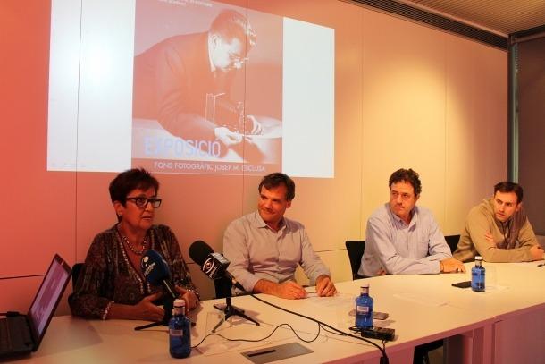 La presentació de l'exposició 'Una mirada al passat' que es podrà veure a la sala Sant Domènec de la Seu d'Urgell.