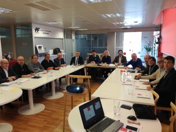 La reunió de la Taula Estratègica de l'Aeroport d'Andorra-la Seu d'Urgell celebrada ahir.