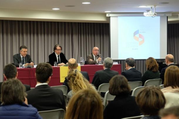 Conferència del catedràtic d'ètica Norbert Bilbeny, a l'ambaixada espanyola.