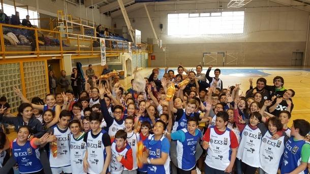 El '3x3 at school' reuneix 200 escolars al Joan Alay