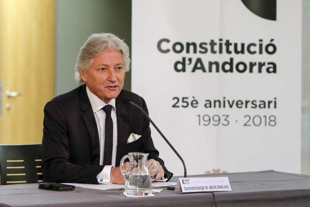 Dominique Rousseau durant la conferència al vestíbul del Consell General, ahir.