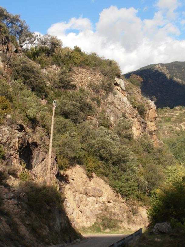 Andorra, la Bastida de Ponts, càtars catarisme, heretgia, Gascón, Castellbò, tesi, Roger Bernat II, ràtzia
