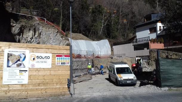 Muntatge amb l'aspecte final de la futura Incubadora Cultural, que des de la tardor s'està aixecant en un solar al carrer de la Creu Grossa d'Andorra la Vella, no gaire lluny de la seu actual d'Editorial Andorra.