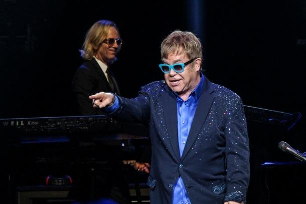 Elton John, Andorra, Sdadv, Camúñez, drets d'autor
