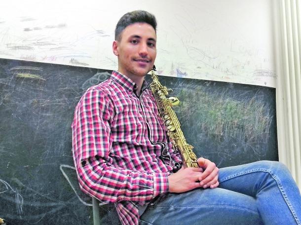 Rusillo, en un descans dels assajos d'ahir a l'Institut de Música de la capital, convertit en quarter general del Sax Fest.