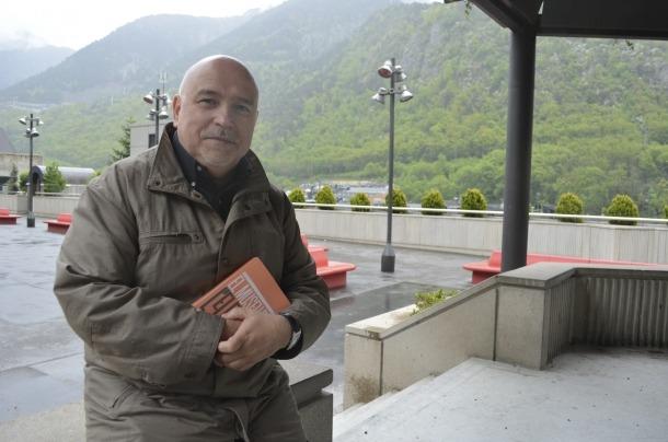 L'escriptor Joan Peruga, amb 'El museu de l'elefant', el segon relat sobre la nissaga ordinenca.