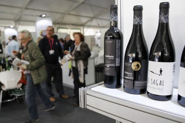 Prop de 3.500 visitants degusten els vins durant la trobada de microproductors