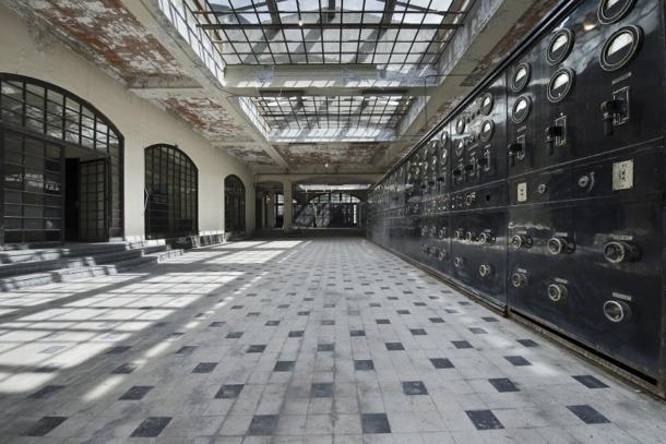 La sala de màquines de Radio Andorra, a la primera planta, on hi ha els emissors i on s'ha detectat amiant.